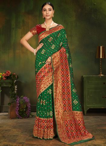 Wedding Wear Green Silk Weaving Saree