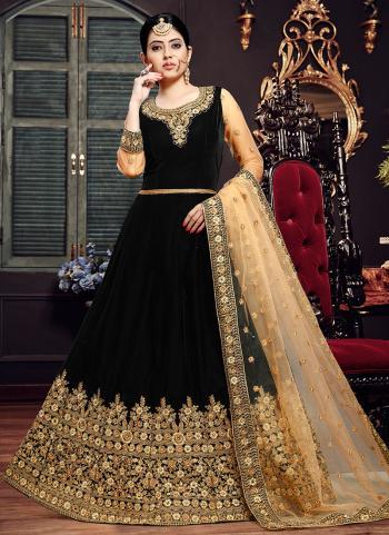 Velvet Black Wedding Wear Embroidery Work Anarkali Suit