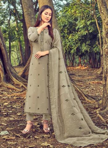 Green Cotton Silk Casual Wear Embroidery Work Straight Suit