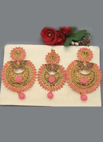 Designer Pearl Earings With Maang Tikka