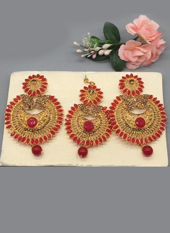 Ethnic Designer Earrings With Maang Tikka