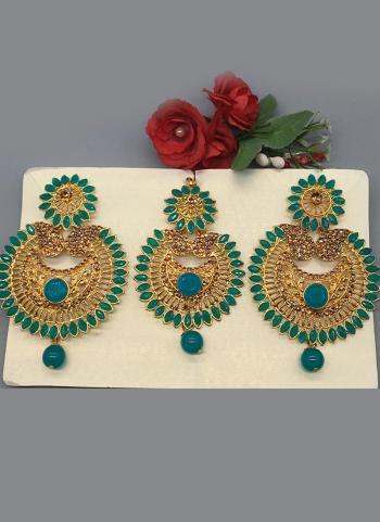 Diamond Earrings With Maang Tikka