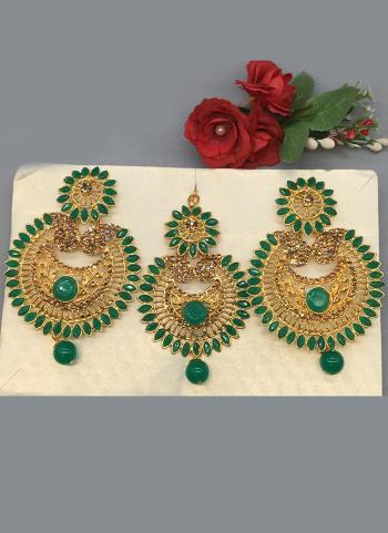 Gold Finish Stunning Party Wear Earrings With Maang Tikka
