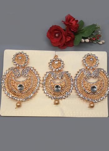 Wedding Traditional Earrings With Maang Tikka