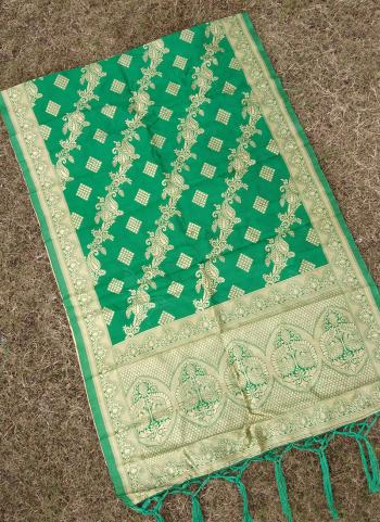 Zari Work Green Banarasi Silk Wedding Wear Dupatta