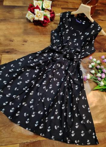 Black Crepe Casual Wear Printed Dress