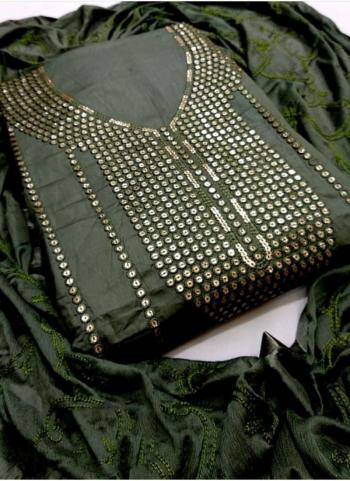 Green Lawn Cotton Casual Wear Sequins Work Salwar Suit