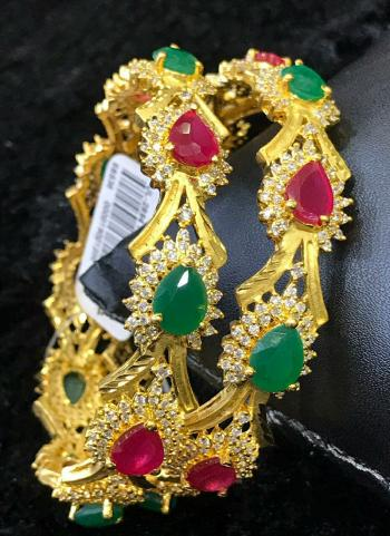 Red And Green Wedding Wear Gold Plated Bangles Set