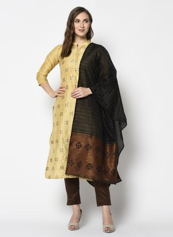 Golden Cotton Casual Wear Weaving Straight Suit