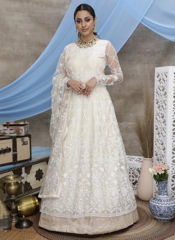 Off White Net Wedding Wear Thread Work Gown