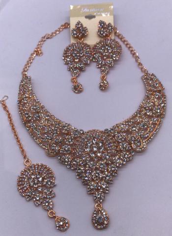 Fancy Silver New Diamond Necklace Design