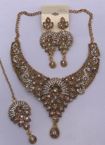 Golden And Silver New Diamond Necklace Design