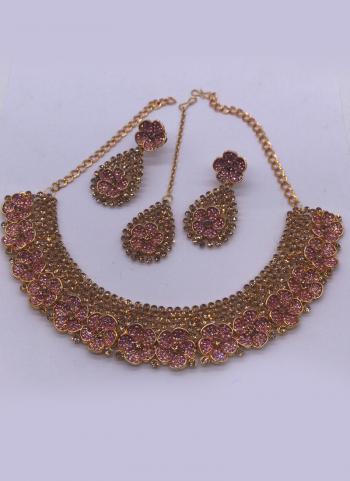 Fancy Pink Flower Design Necklace Set