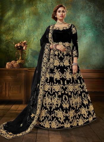 Black Velvet Wedding Wear Embroidery Work Anarkali Suit