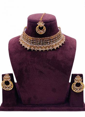 Golden Chokar Style Jewellery Set