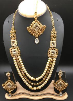 Marvelous Designer Necklace Set