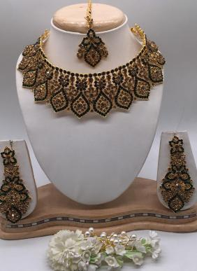Elegant Diamond Wedding Wear Necklaces Collection