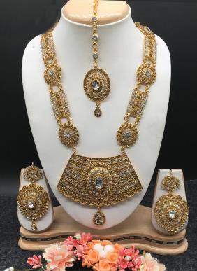 Heavy Diamond Necklace Set Wholesale Collection