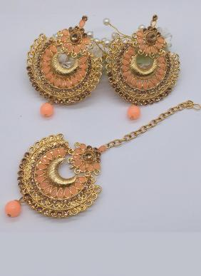 Bollywood Style New Designer Earrings With Maang Tikka Collection