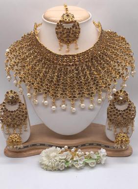 Chokar Style New Heavy Designer Necklace Set Wholesale Collection