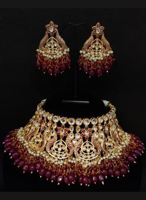 Wine Kundan And Beads Bridal Chokar Necklace Set