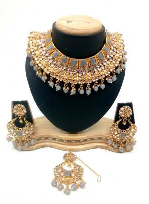 Grey Kundan And Stone Multi Piece Necklace Set