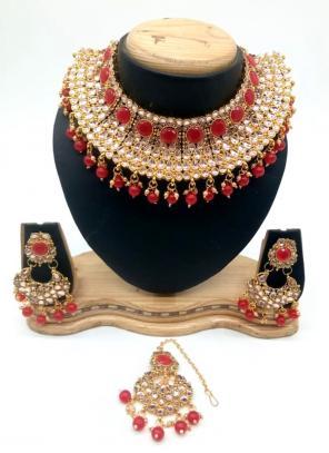Red Kundan Chokar Necklace Set With Earrings And Maang Tikka