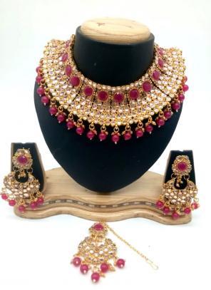 Violet Kundan Chokar Necklace Set With Earrings And Maang Tikka
