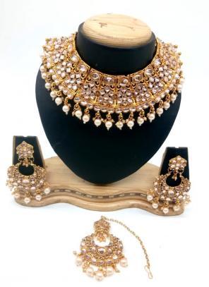 Golden Bridal Kundan Necklace Set With Earrings And Maang Tikka