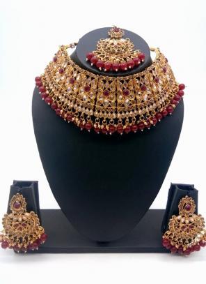Maroon Traditional Kundan And Stone Studded Chokar Necklace Set