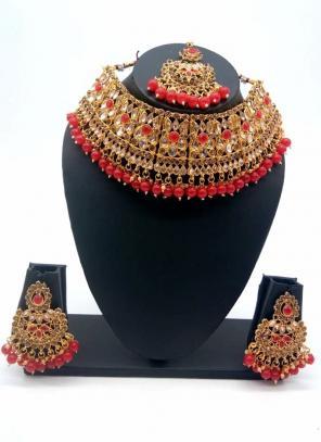 Red Traditional Kundan And Stone Studded Chokar Necklace Set