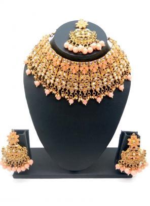 Peach Gold Tone Bridal Kundan Chokar Necklace Set