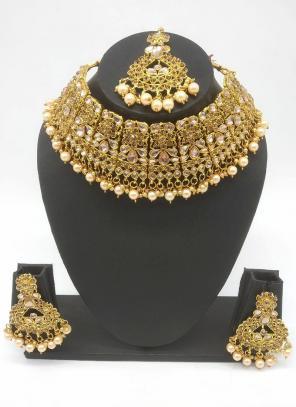 Gold Beautiful Stone And Kundan Studded Bridal Necklace Set