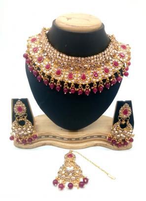 Violet Gold Tone Kundan And Pearls Chokar Necklace Set