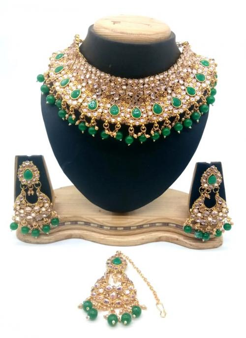 Green Gold Tone Kundan And Pearls Chokar Necklace Set